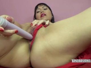 Yuka Ozaki is masturbating round overheated lingerie