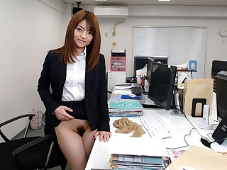 Kimoko Tsuji in Kimoko Tsuji gives an awesome blowjob at eradicate affect office and gets cumshot - AvidolZ