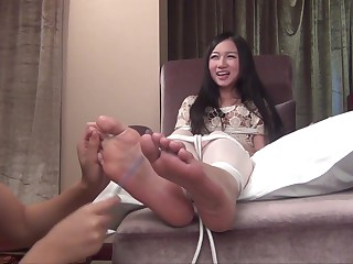 Cully Tickling Model LALA Tickling Torture bare part 3
